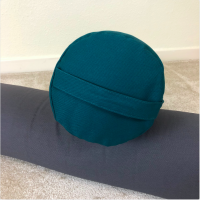 Yoga bolster handle